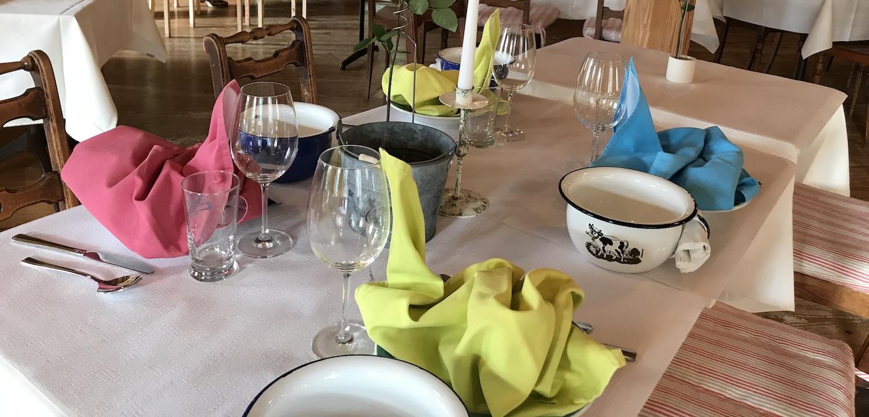 Ihr-Anlass-Tische-06